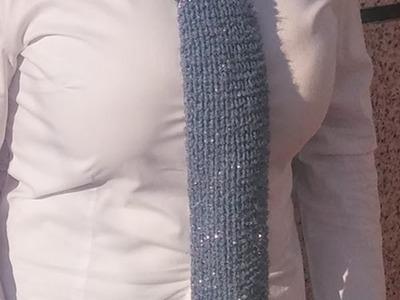 Corbata con punto corazón en telar rectangular de hilo