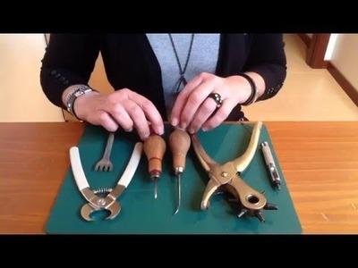 Cómo utilizar las herramientas para agujerear el  cuero antes de coserlo
