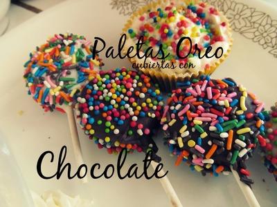 Paletas Oreo cubiertas de Chocolate