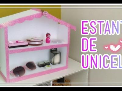 Estante hecho de Unicel