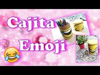 Cajita Emoji con rollito de carton