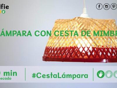 Lámpara con cesta de mimbre