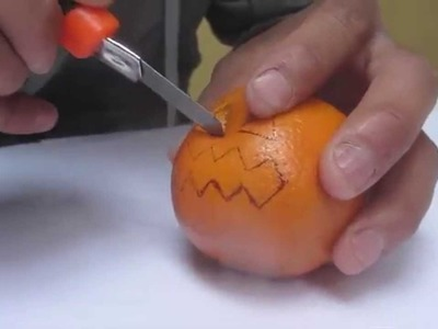 Cómo Hacer una Calabaza para Hallowen [Calabaza de Naranja]