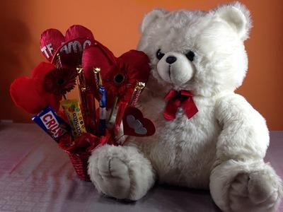 Oso con canasta para san Valentín