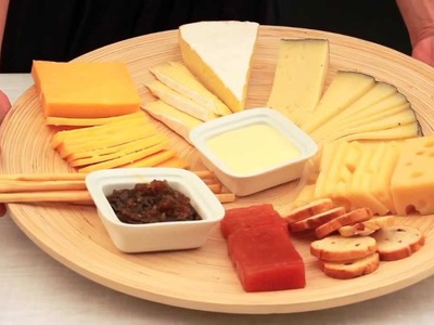 Cómo preparar una tabla de quesos. Cocinar para amigos.