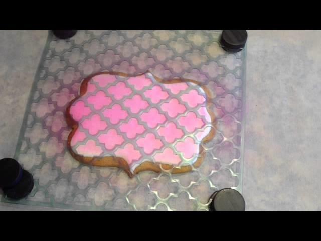 Aprende a utilizar stencils en la decoración de galletas.