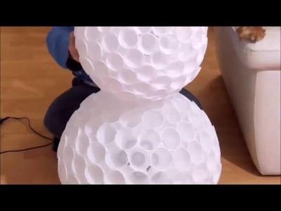 TUTORIAL: Decoracion navidad - Gran Muñeco de nueve con vasos de plastico