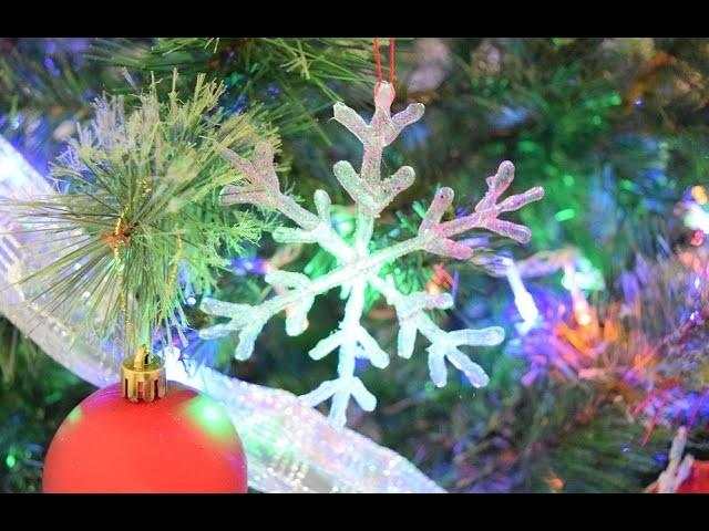Copo de nieve. Copo de nieve con silicón. Manualidades navideñas