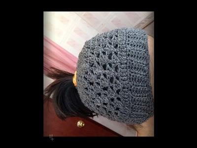 Gorro para cabello largo.  Gorro de moda tejido a Crochet. Messy bun