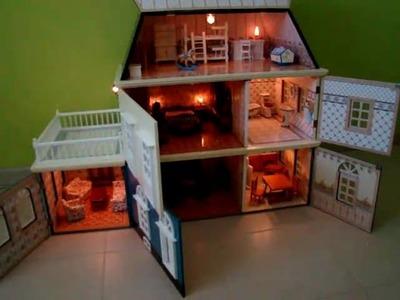 Casita de muñecas con luz