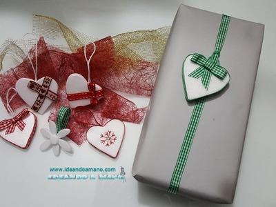 Corazones navideños con material reciclado