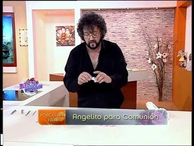 Jorge Rubicce  - Bienvenidas TV - modela en porcelana fría un Angelito de Comunión.