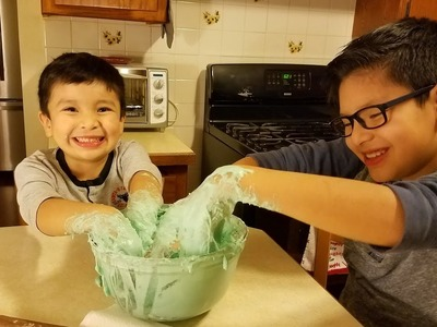 Como hacer masa pegajosa facil.  | How to make  Sticky Slime easy.