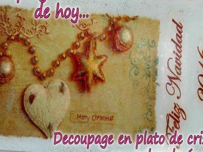 DECOUPAGE EN PLATO DE CRISTAL CON POLVO DE ANGEL 1.3
