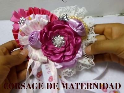 Corsage para baby shower de niña. distintivo