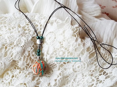 DIY Collar con bola de colores