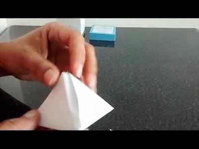 Como hacer una piramide de papel rapido y facil