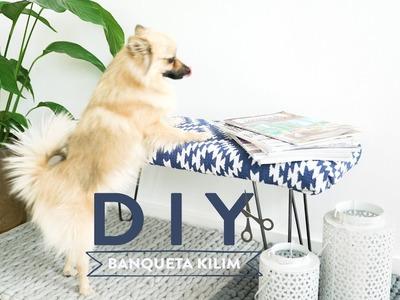 Cómo fabricar una banqueta boho con una alfombra Kilim | DIY Westwing
