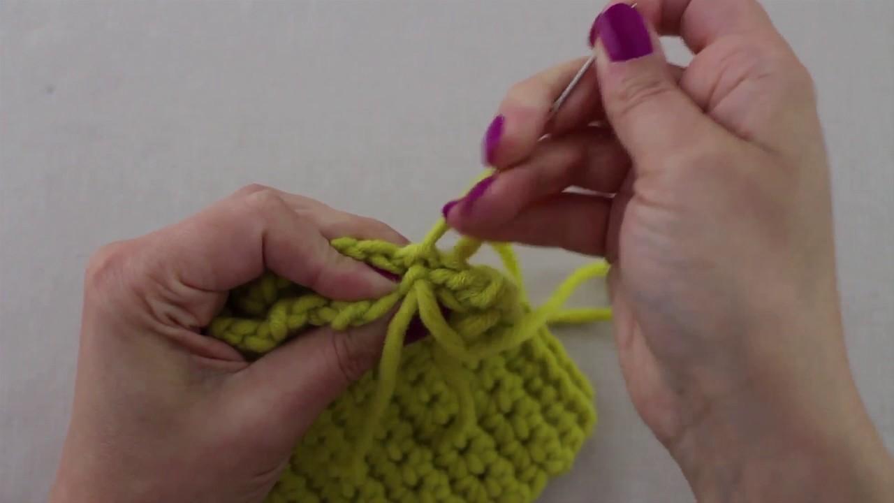 Mis Creaciones de Crochet - Técnica 09 C: Coser las costuras sobrehilar los bordes