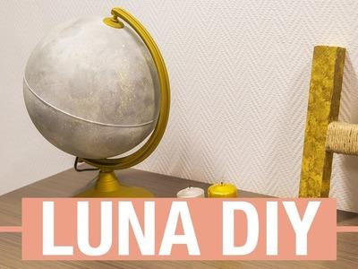 Luna con un globo del mundo · Handfie DIY