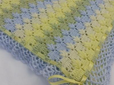 Cobija o mantita con puntada de hojitas en punto puff a crochet