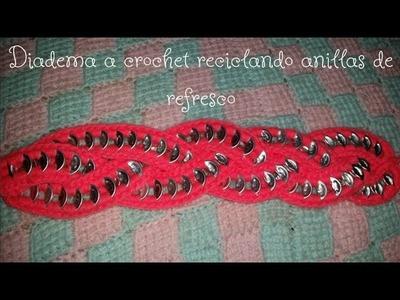 Diadema con anillas de refresco y crochet by Alexandra Sacasa