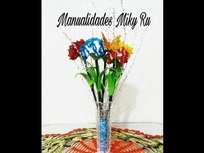 Pequeño centro de mesa con claveles tejidos - Miky Ru